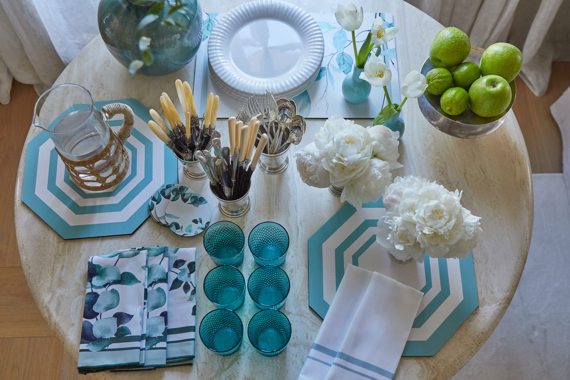 Dressing your table with style is possible at The Lino